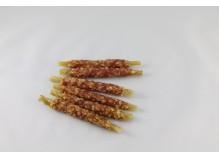 Pałeczki jagnięce z ryżem na skórkach wieprzowych